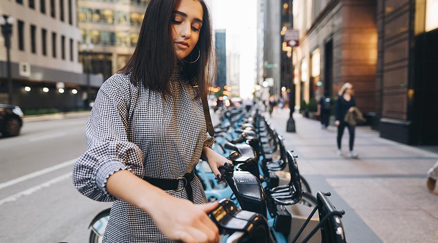https://greatcbdshop.com/wp-content/uploads/2019/11/girl-renting-a-city-bike-best-cbd-for-wellness.jpg